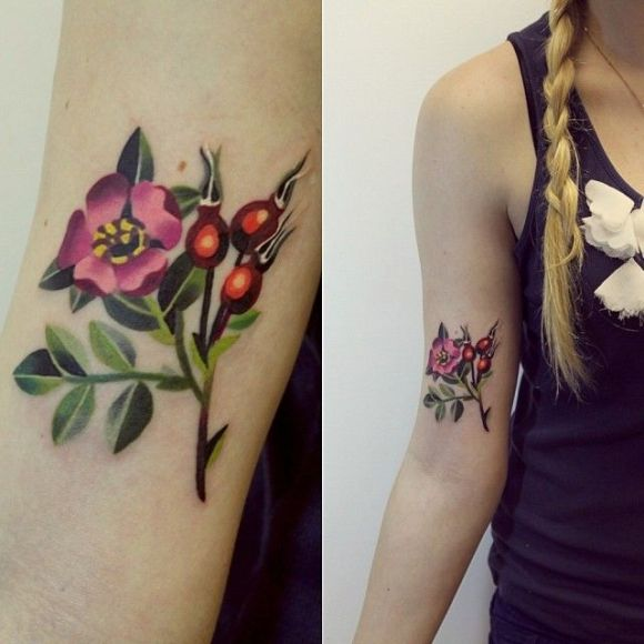 Sasha Unisex tattoo flowers3
